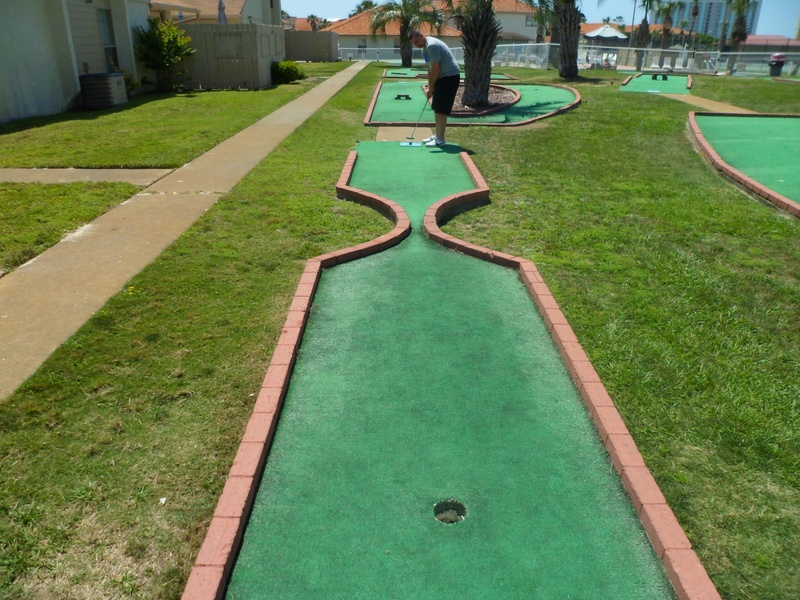 18-Hole Mini Golf